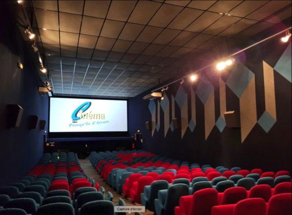 Intérieur salle cinéma Le Cristal